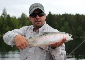 Brian of California with a nice Bow. Brian caught his Bow on a green buzzer.